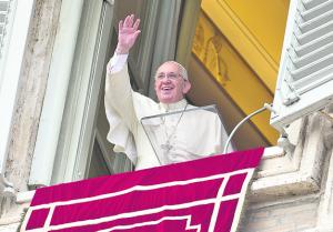Papst Franziskus beim Angelus