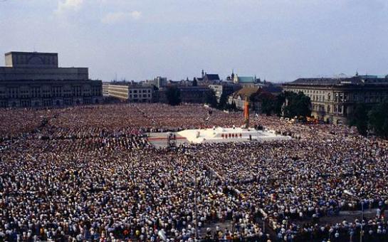 Pope John Paul II's Polish Homecoming