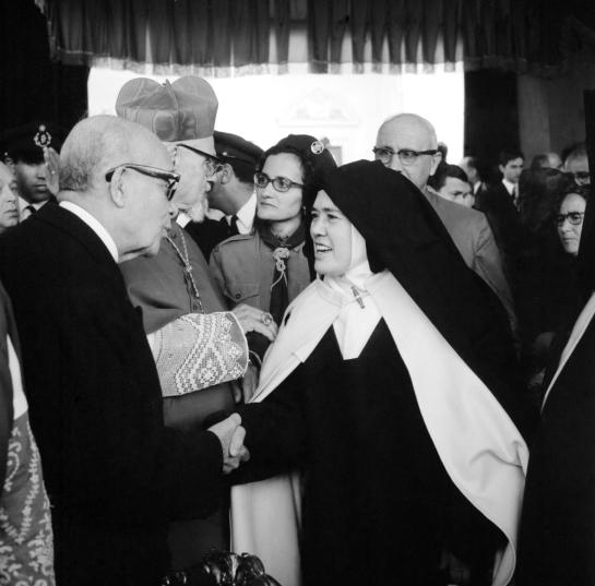 Irmã Lúcia em Fátima 2