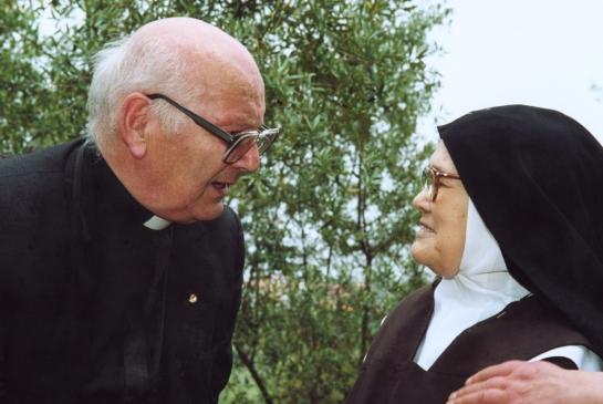 Padre Luís Kondor com a Irmã Lúcia 16.5.2000