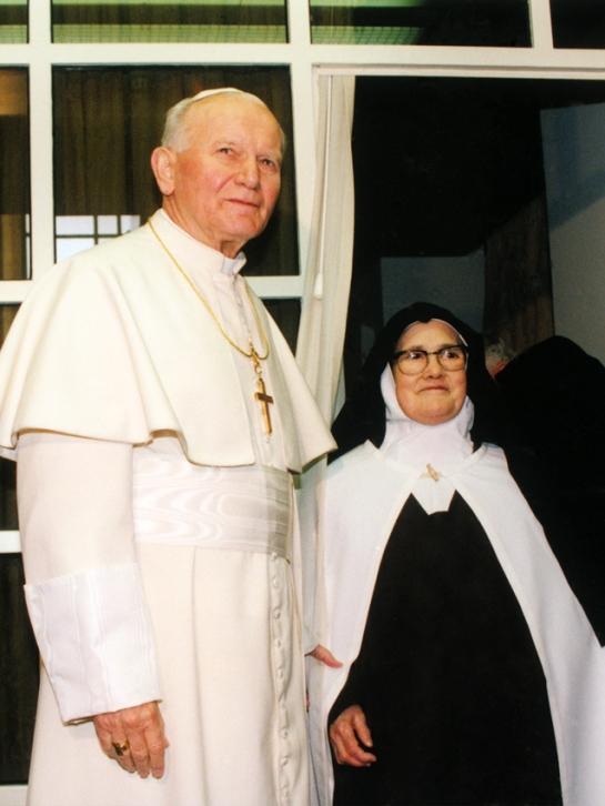 Johannes Paul II. mit Luzia in Fatima 13.5.1991