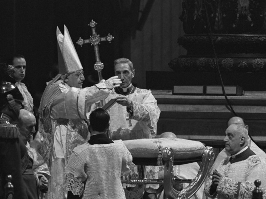 Pope John XXIII giving the Blessing at the conclusion of the Mass in S' Peter's Basilica on the Opening Day of the Second Vatican Council