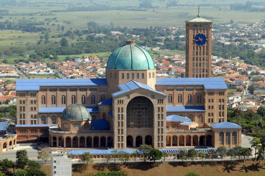Basilica_of_the_National_Shrine_of_Our_Lady_of_Aparecida_2007-740x493