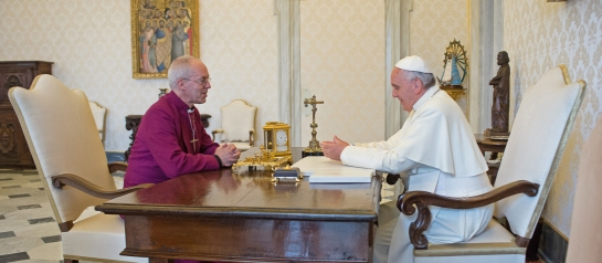 Papst Franziskus und Erzbischof Justin Welby von Canterbury im Gespräch am 16.06.2014 im Vatikan