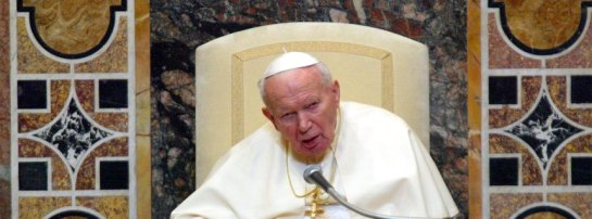 Pope John Paul II delivers his speech in Vatican city on Monday, 13. January 2003, during a meeting with the diplomatic corps. Amid the prospect of a US-led war against Iraq, the 82-year-old pope told: ''War is never inevitable. It is always a defeat for mankind'. On the Middle East, the Pontiff said, Israelis and Palestinians should live 'side by side, equally free and sovereign, respecting each other'. Fotograf: MAURIZIO BRAMBATTI dpa